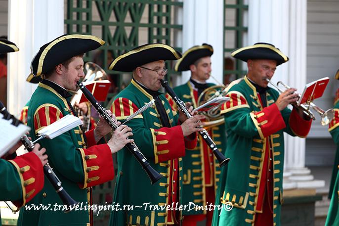 musicanty-v-petergofe